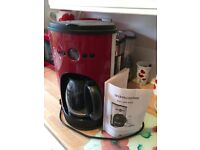 AndrewJames Coffee Maker in Red