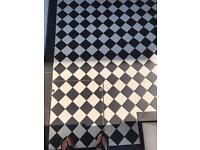 Victorian square 9.7x9.7x8.3 Black & White Tiles