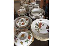 Royal Worcester full dinner set