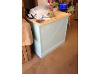 Shop counter shabby chic style