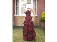 Lady in Red... Fabulous Prom/Ball dress. Size 10/12.