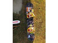 Teenager snowboard