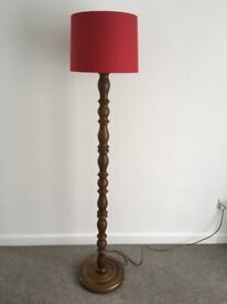 Chunky Standard Lamp / Floor Lamp. in very good used condition. Base 32cm diameter x134-135cm high