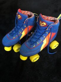 Roller Skates only worn once, Size 4