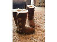 Genuine tall bailey button uggs, size 5