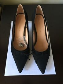 Black Zara court shoes size 40. Worn once indoors - so as new.