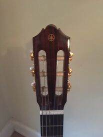 Yamaha CG162C Classical Guitar with hard padded case as new. Genuine unwanted gift mint condition