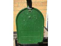 Original US Mail box - in good condition - green