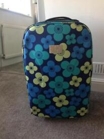 Medium Sized Suitcase - Excellent Condition - Collect Frinton on Sea