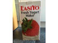 EasyYo Yogurt Maker & Containers