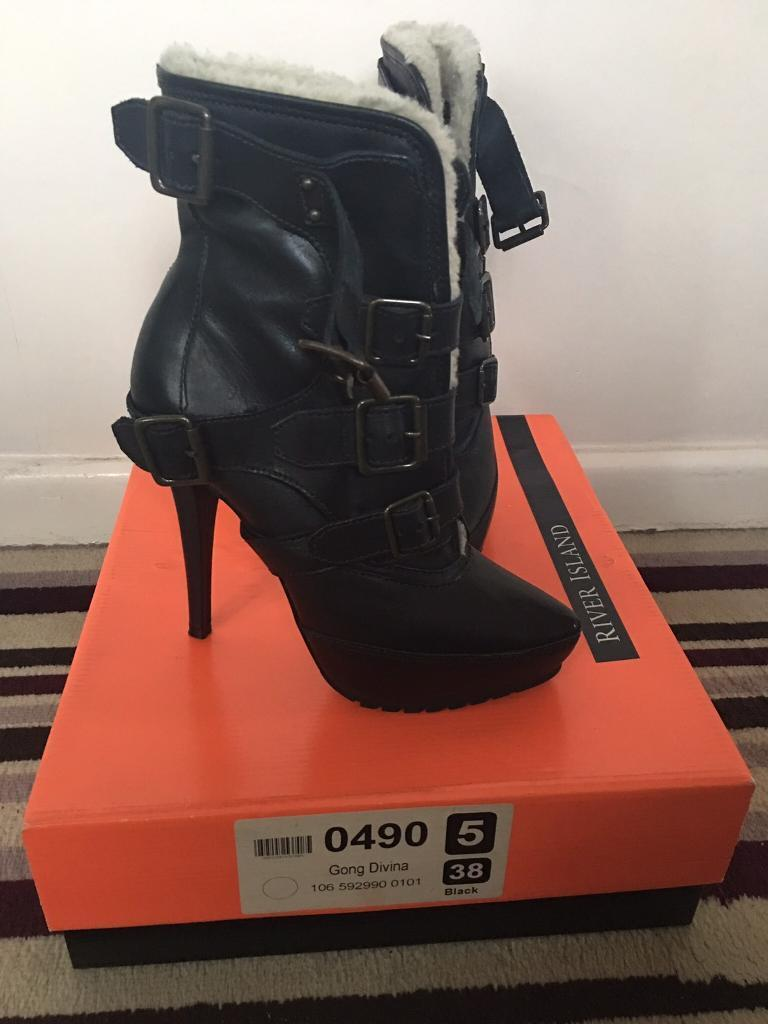 Brand new size 5 river island boots
