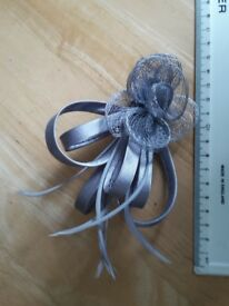 Silver / grey hair clip / fascinator