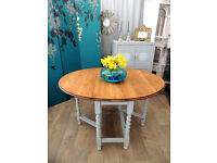 Shabby chic oak gate legs dining table for 4-6 people by Eclectivo