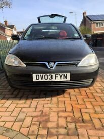 Corsa Life 1.0 perfect first car. cheap insurance. well looked after