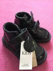 Girls kickers style patent leather boots