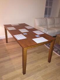 Dining table, good condition