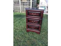 Mahogany finish bedroom chest drawers (can deliver)