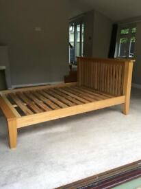 Oak king size bed 🛏