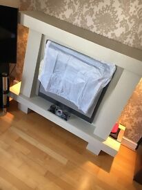 Super modern fire surround in fab condition!