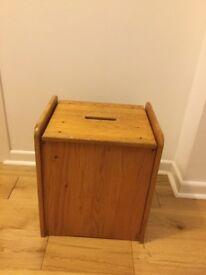 Pine wood linen/laundry basket