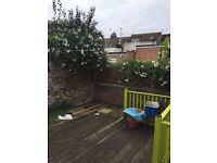 SB Lets are delighted to offer 2 double bedrooms in a flat share in central Hove close to amenities
