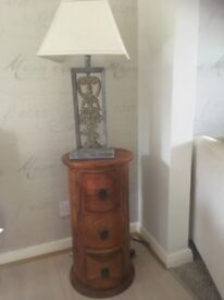 Occasional table / lamp stand