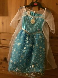 Disney Princess Frozen Deluxe Musical Elsa Dress (5 Years)
