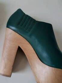 Marni green leather wood wedges size 40