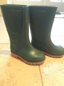 Nearly new green children's wellies size 11