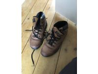 Hi tec walking boots size 8