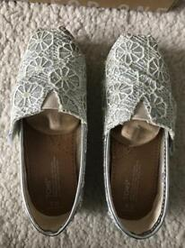 Girls TOMS silver crochet