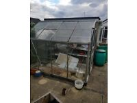 8 x 6 greenhouse fully dismantled ready for collection.