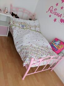 Pink single bed frame VGC girl hearts