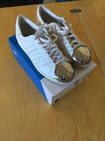 Adidas Superstar shoes in white with Metallic Toes - Size UK 5.5