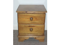 solid pine bedside unit not flat pack rubbish Traditional solid built
