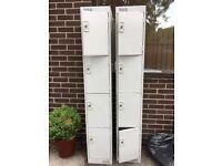 2 lockers, 4 compartments per locker