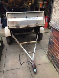 Car Trailer. 550 Kgs capacity and tipping body.