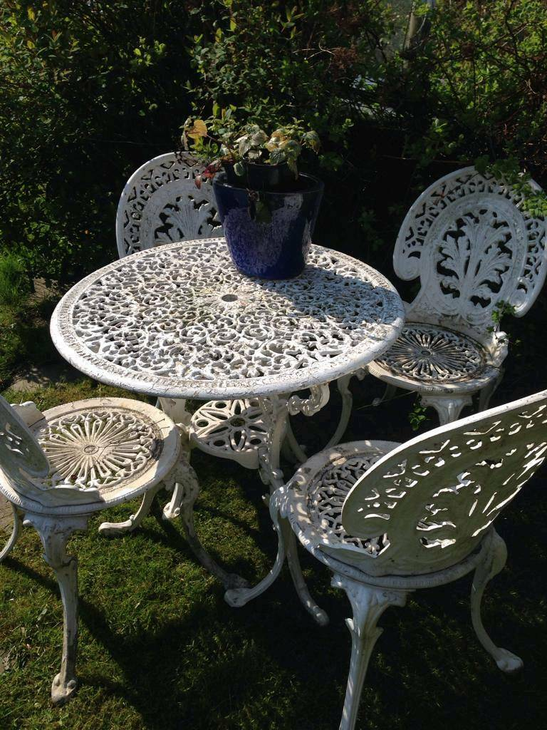 White Iron Garden Chair And Table Set