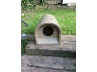 Outdoor cat house -as new