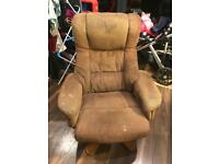 Easy arm chair