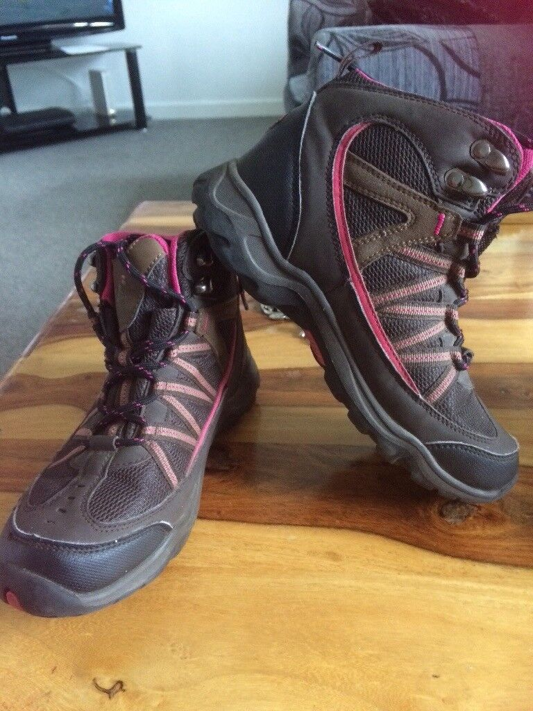 2pairs of walking boots size 4 and 5