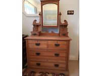 Early 1900 dressing table