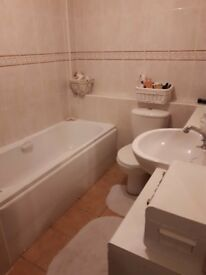 DOUBLE ROOM + PRIVATE BATHROOM for single person