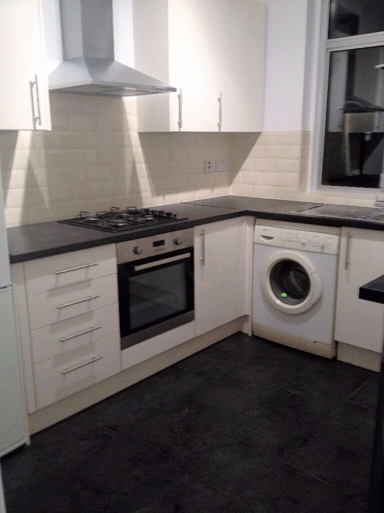 PROPERTY HUNTERS ARE PLEASED TO OFFER A 2 BED FLAT FOR £1150PCM ON GREEN LANE