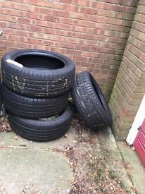 Discovery or 4x4 tyres set of 4