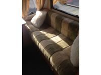 Avondale dart 2004 touring Caravan great condition inside and out great first wee van