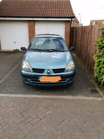 Renault Clio- Low mileage- 1 year MOT- new tyres