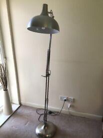 Stainless steel standing corner lamp