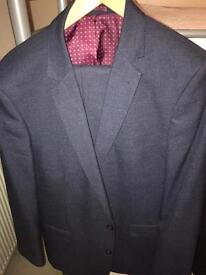 TU Men's Suit