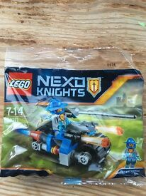 LEGO Nexo Knights Set &a Figure - NEW